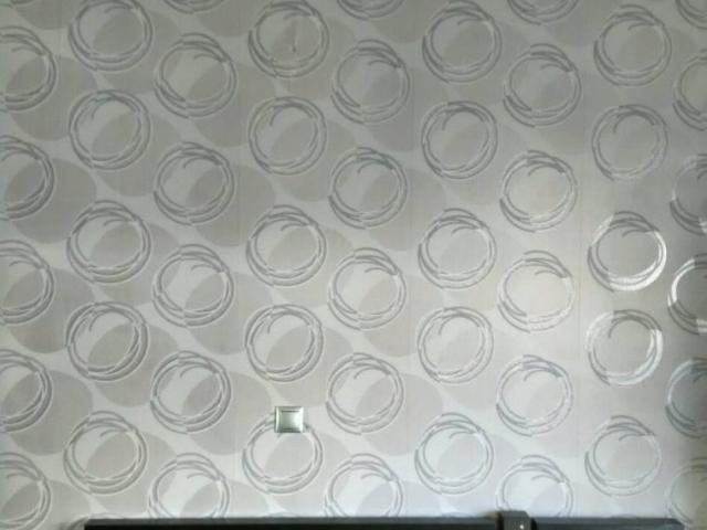 ταπετσαρια τοιχου κυκλοι σε κρεβατοκαμαρα  30745