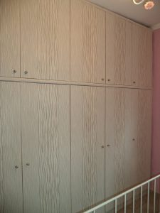 ταπετσαρία τοίχου με αφηρημένο σχέδιο